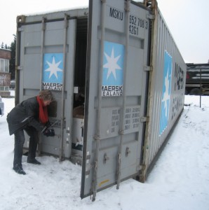 Container nr 43 forsegles