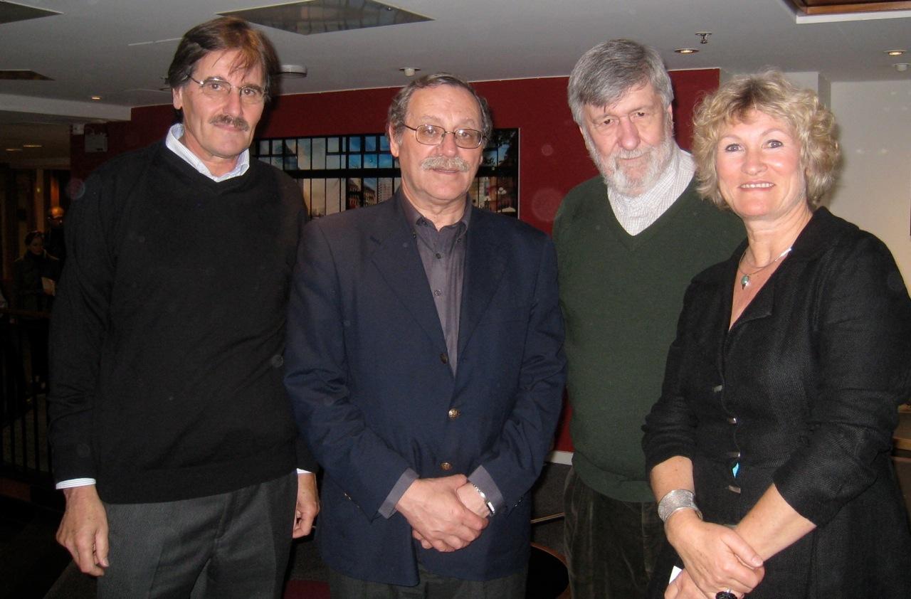 Kulturminister R. Ehrlich og UD-representant J. Baraibar mellom Carlos Caballero og Marianne Irgens Hagen