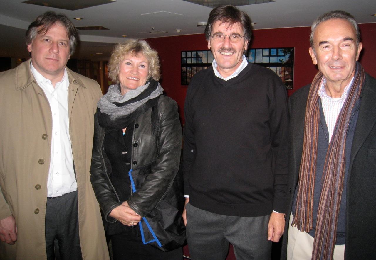 Finansminister F. Lorenzo og ambassadør M. Vieira på hver side av Marianne Irgens Hagen og Carlos Caballero