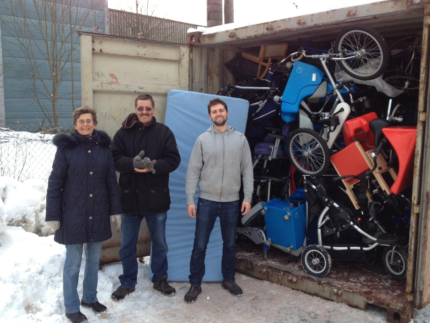 Elsbet, Carlos og Daniel ved full container nr 61