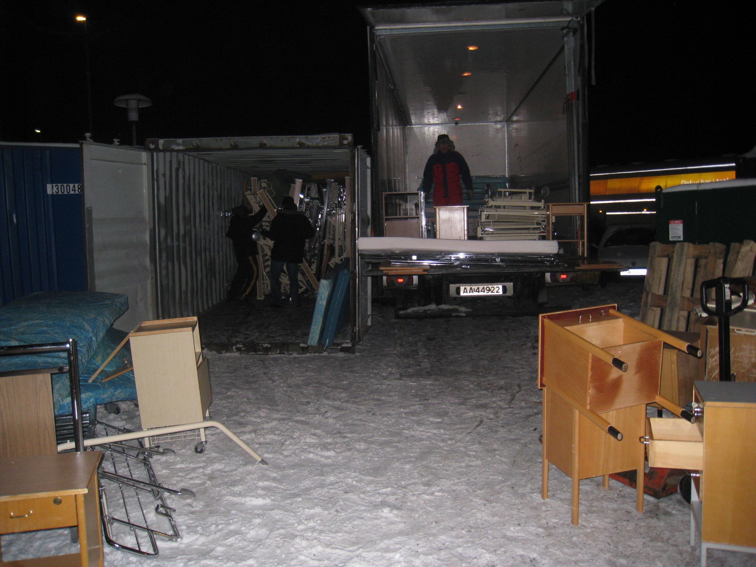 Container og lastebil fra Etac