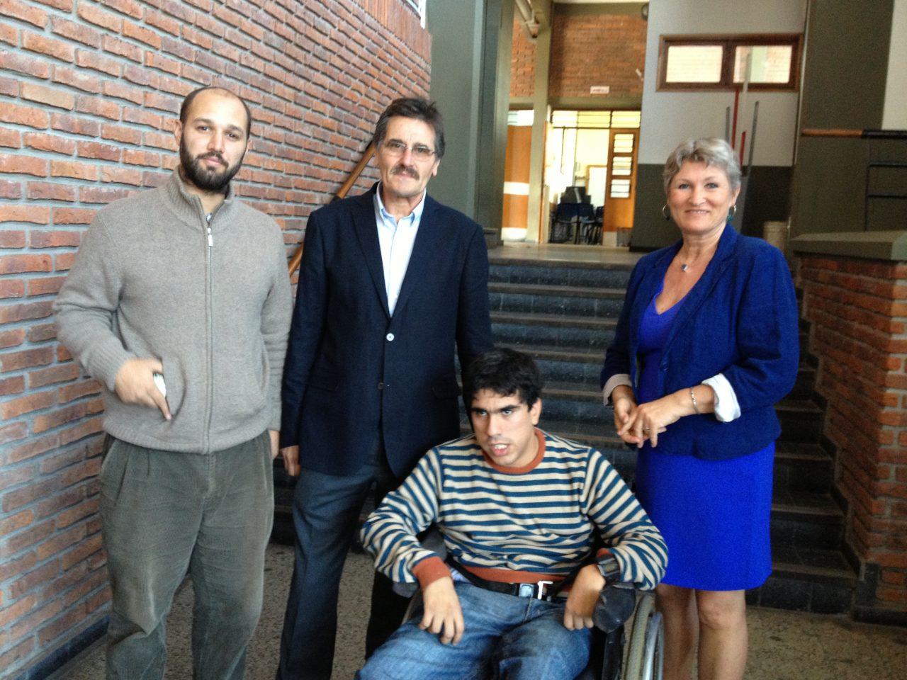 Federico fra Montevideo kommune, Carlos og Marianne fra Hjelpemiddelfondet og Nico, kursdeltaker og brukerkonsulent